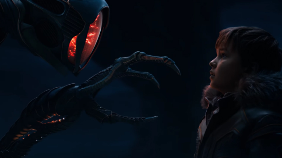 First Full 'Lost in Space' Trailer Shows Off Creepy New Robot